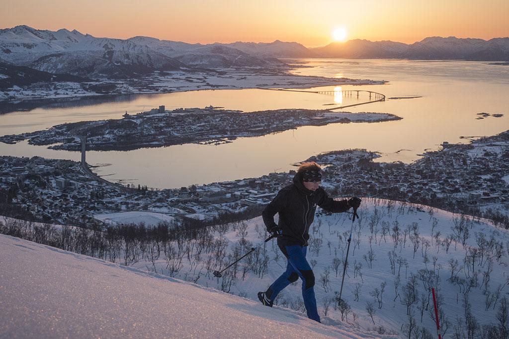 Kenn på tur opp Storheia i Stokmarknes